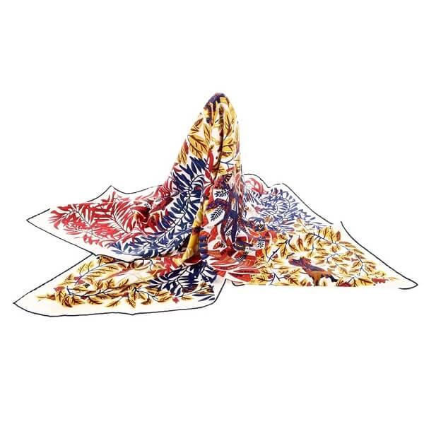 カレ90 シルクスカーフ LA PROMENADE DE PLATON
